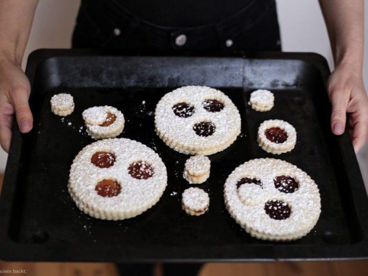 Back doch mal Drei-Augen-Kekse!
